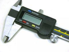digitális tolómérő